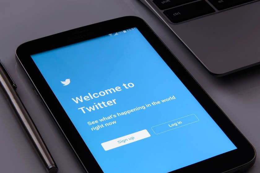 twitter, tviter, mađarska vlada, suspendovan nalog