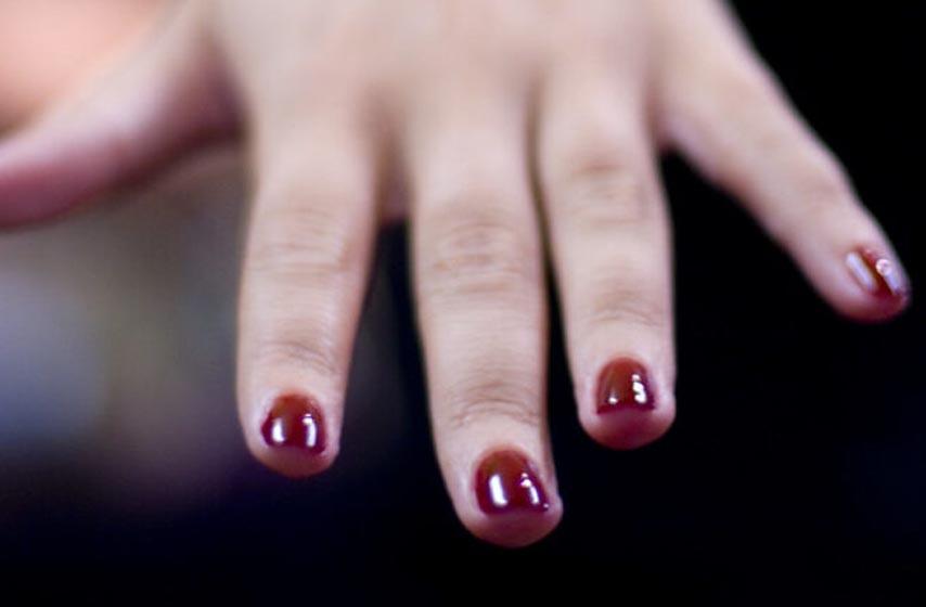 kako skinuti lak za nokte