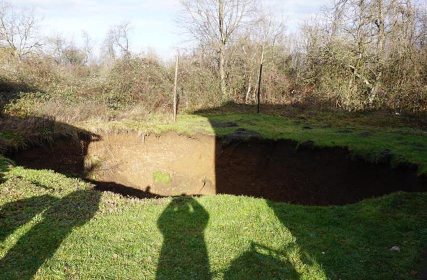 petrinja, rupe u zemlji