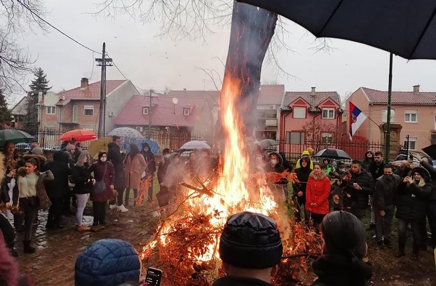 Hram Preobraženja gospodnjeg Pančevo, Paljenje Badnjaka, Foto: Milan Lazić