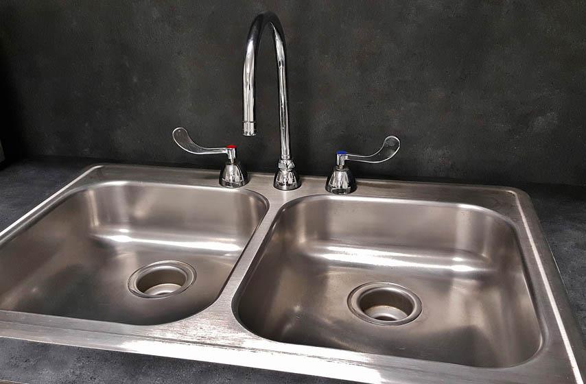 začepljen odvod sudopere, kako odčepiti sudoperu