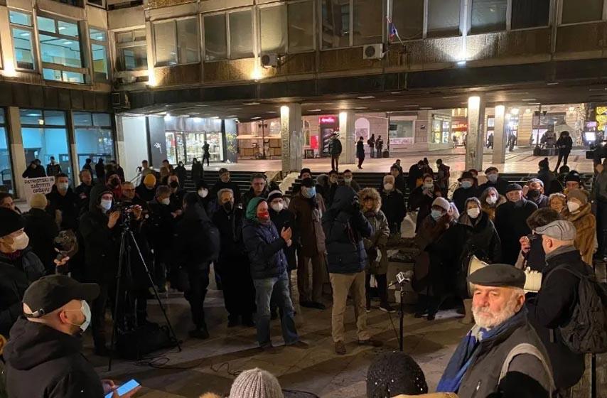 spomenik stefanu nemanji, protest ispred filozofskog fakulteta