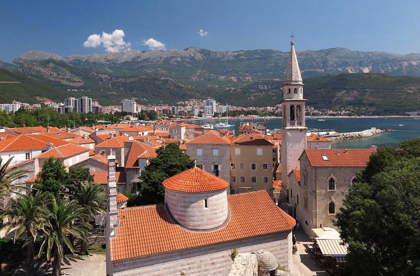 Crna Gora, Budva, suzavac na sednici skupštine Budva, region