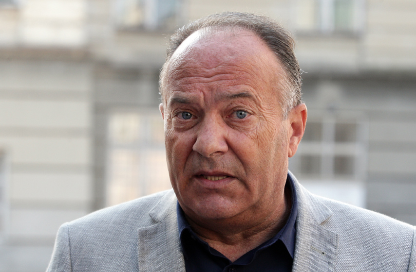 Studenti predali Šarčeviću 18.000 potpisa,  smanjenje školarine