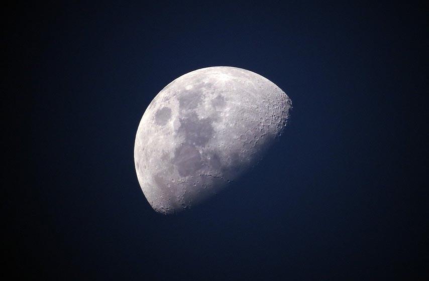 mesec, pronadjena voda na mesecu