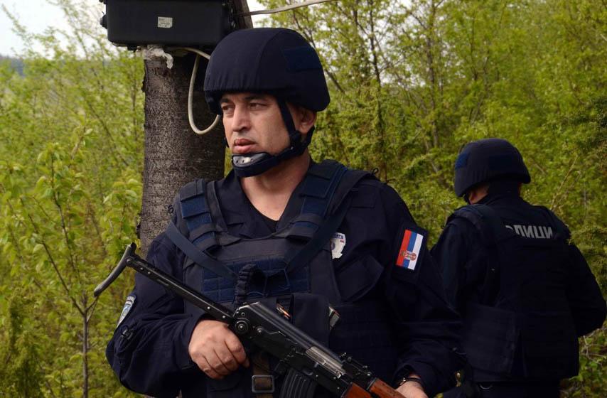 kopnena zona bezbednosti, policija