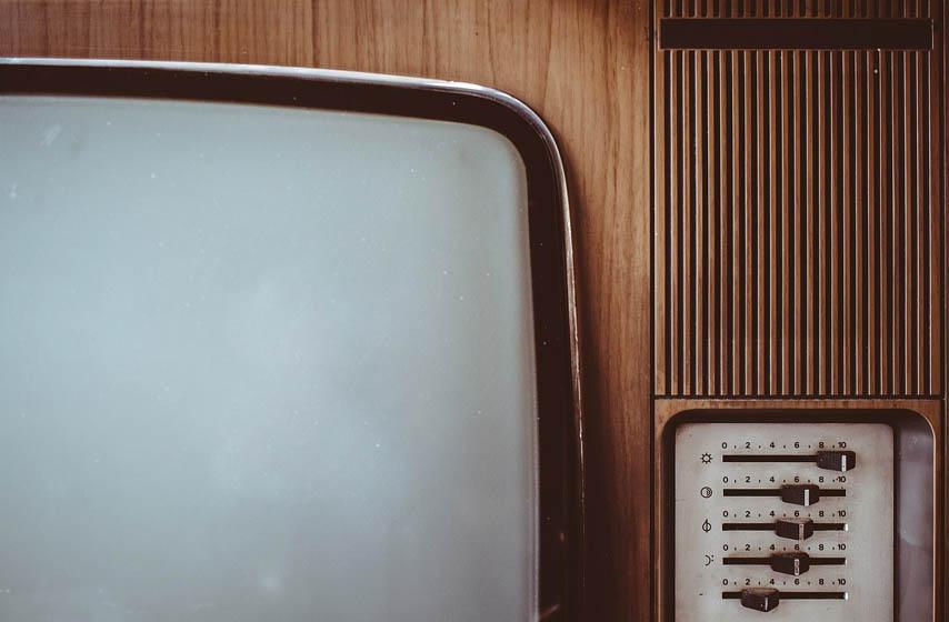 ometanje interneta, internet, stari televizor