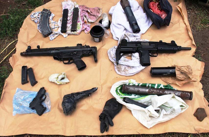 oružje, zaplena, policija, mup, Inđija, Sremski Karlovci, hronika, hapšenje, arsenal oružja