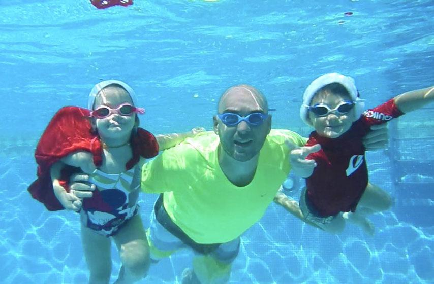 kako naučiti decu da plivaju, deca plivanje, deca, plivanje, bazen, voda, život, najnovije vesti