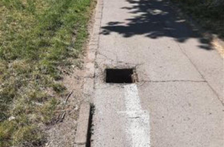 biciklisticka staza, ukraden poklopac od sahta