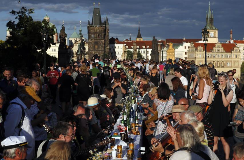 Češka, kovid-19 žurka, Prag
