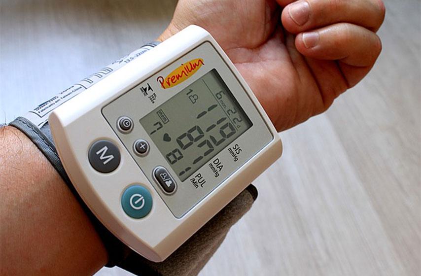 kako pravilno izmeriti pritisak, merenje pritiska, pravilno merenje pritiska, merac pritiska