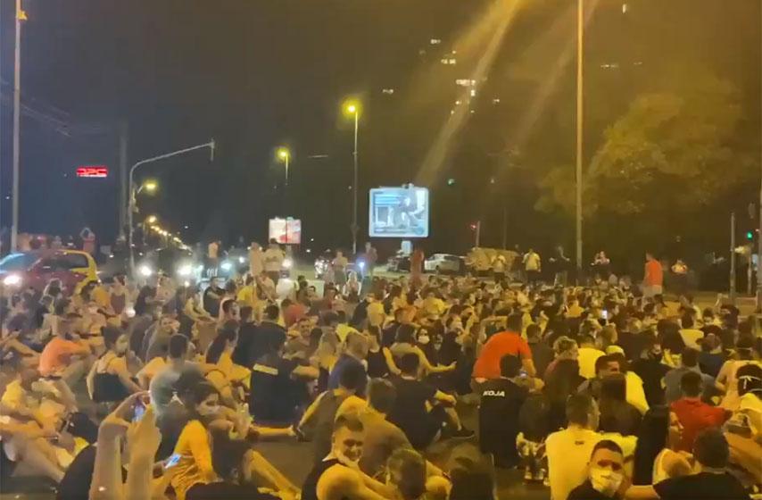 protest studenata u Beogradu, zatvaraju se studentski domovi u Beogradu, protest studenata