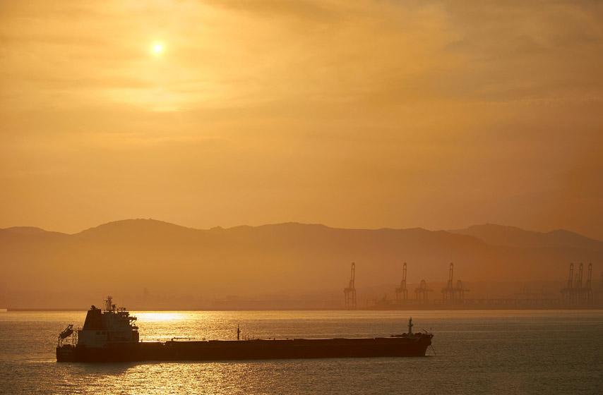 hronika, tankeri, nafta, uprava carina