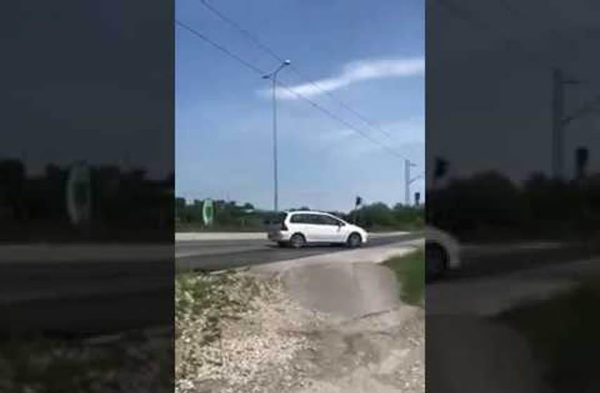 k-013 reporteri, teretni voz prolazi, podignuta rampa, bavaništanski put, pancevo