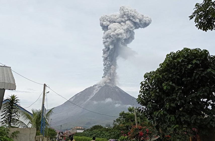 erupcija vulkana, erupcija vulkana sinabung, sinabung indonezija, vulkan sinabung, sinabung, indonezija