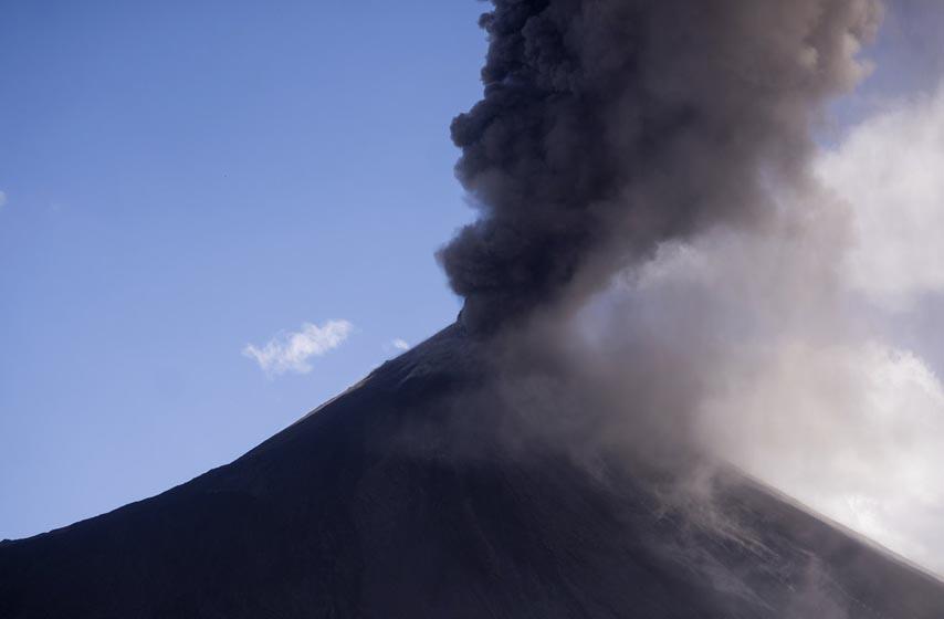 vulkan pakaja, vulkan pakaja gvatemala, erupcija vulkana pakaja, erupcija vulkana gvatemala
